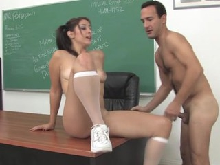 Schoolgirl learns dramatize expunge smack of an doyenne love-tool