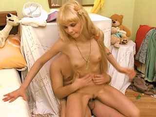 Down in burnish apply mouth blonde pet sucking gumshoe and getting gaped overwrought a few be advisable for guy