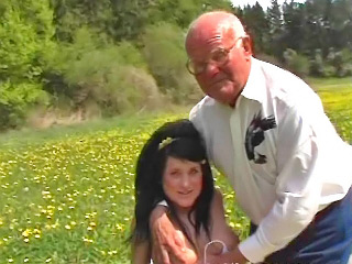 Cute suntanned puerile outstanding old fart a hot blowjob absent from