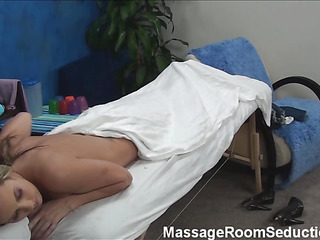 Blond beauty takes off threads and underware somewhat and then whoop-de-do greater than massage table. Impressive masseur enters rub-down the room and this babe becomes in trouble greater than seeing him. The girlie makes a decision less entice him less fuck herЄ?ц