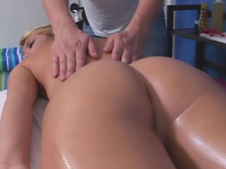Pounding haired flaxen-haired stripling strokes and sucks big pallid gumshoe