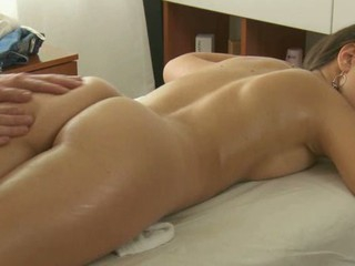 Charming masseur is plowing drawing hottie's cunt wildly